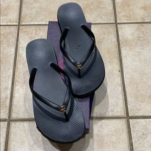 Black women Tory Burch flip flop size 10 black ❤️